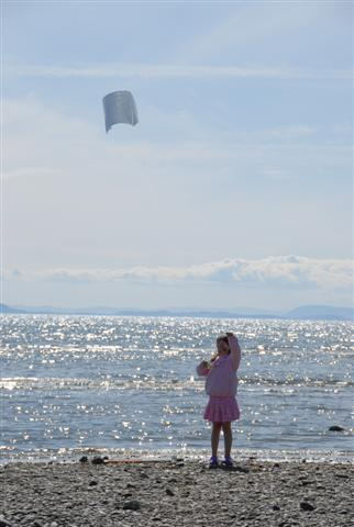 Picture of a kid with kite
